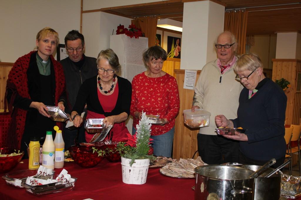 Joulujuhlasta iloa yksinäisten koteihin